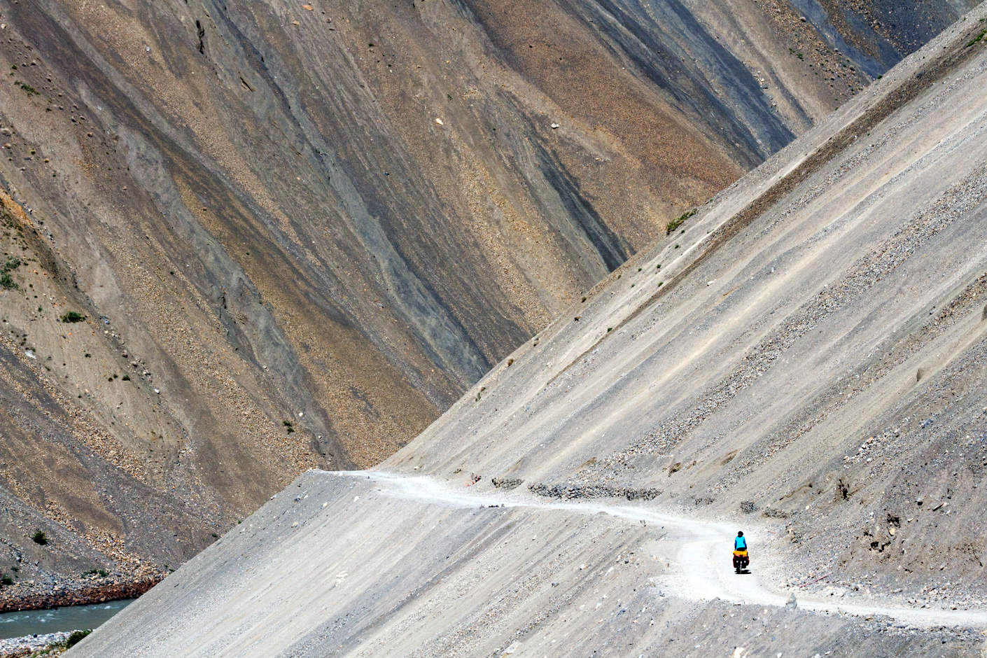 Patick Hugens cycling in India.