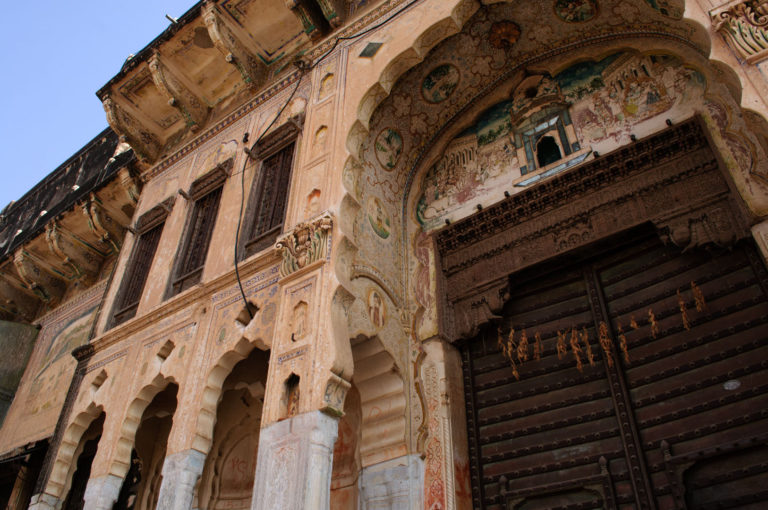 The exterior of a painted haveli in Shekhawati.