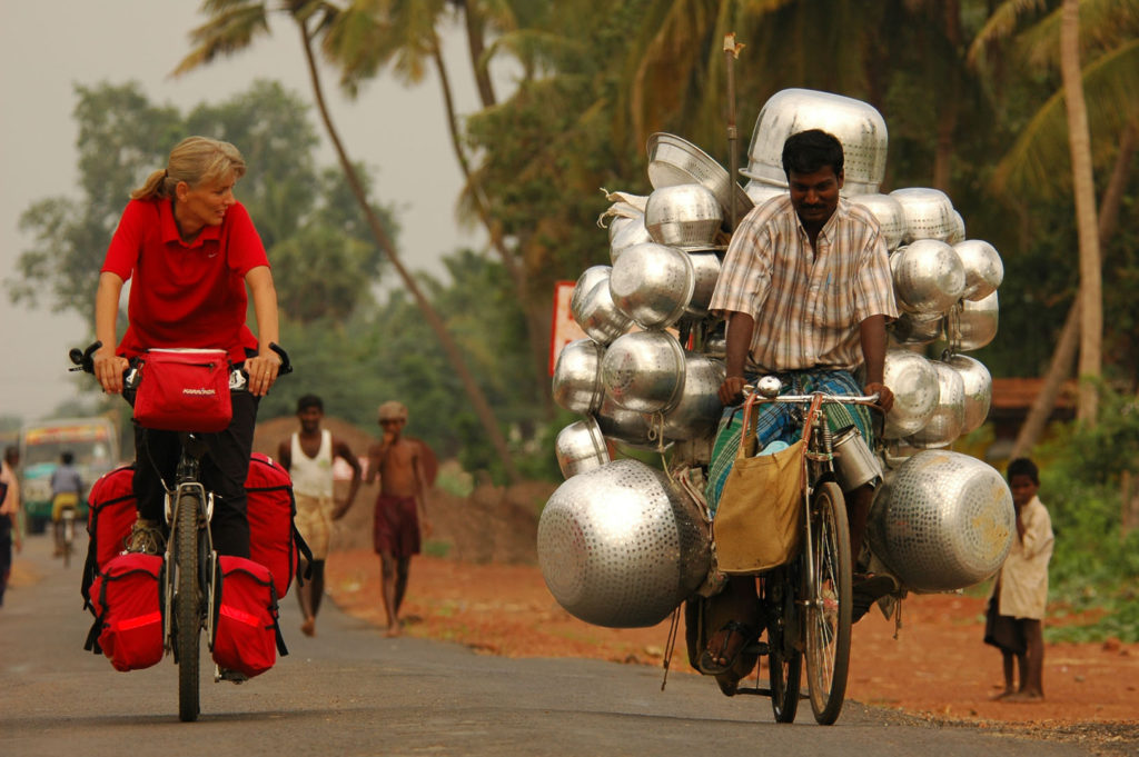 Western touring cyclist meets Indian cycling salesman